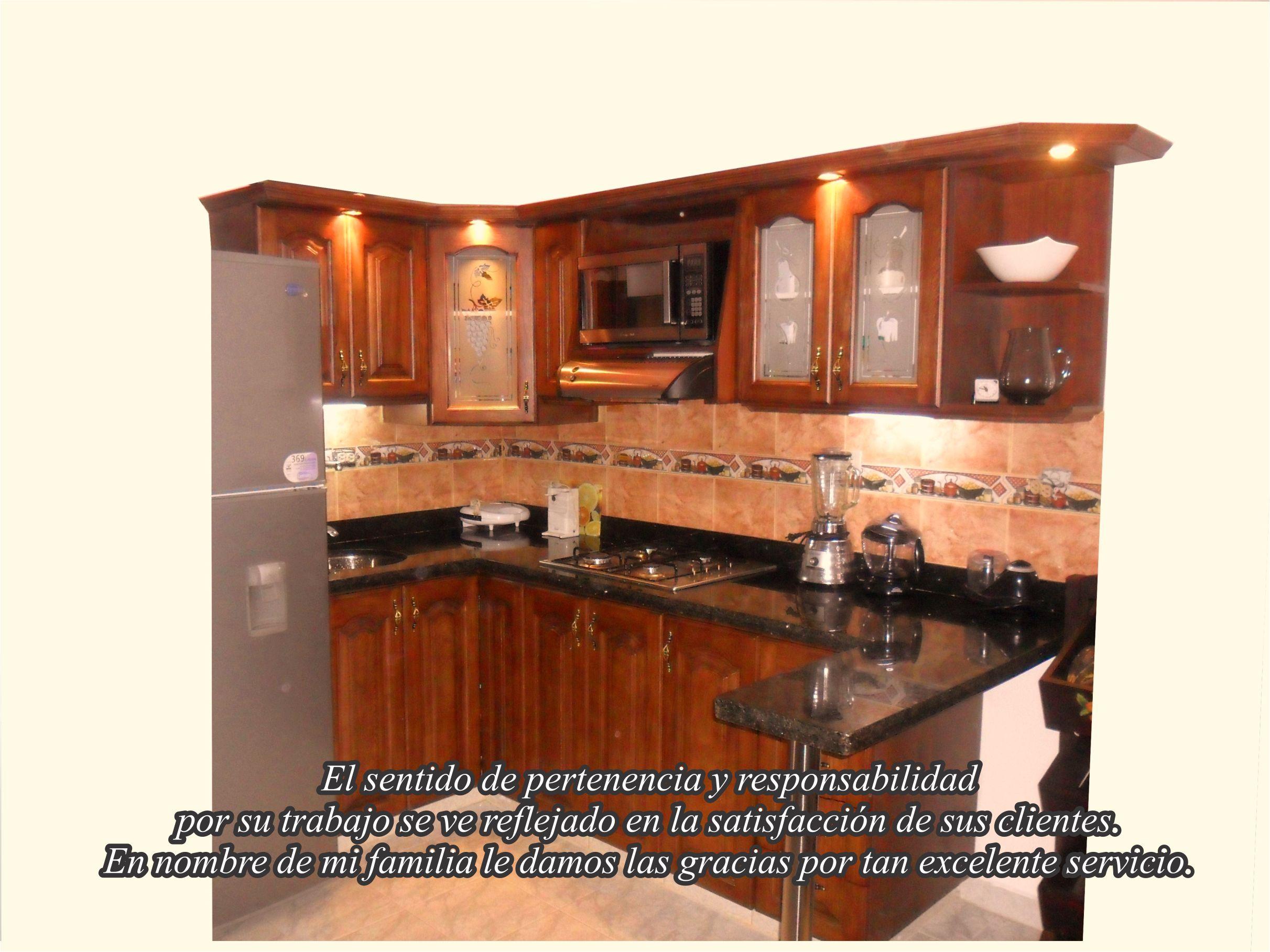 Cocinas integrales em medellin for Disenos de cocinas integrales de madera modernas